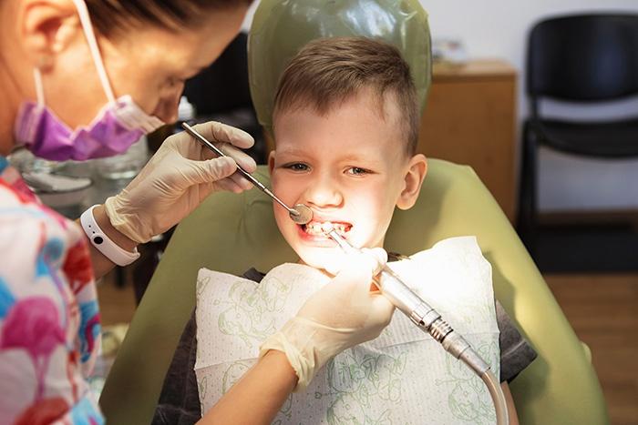 kid-at-dentist